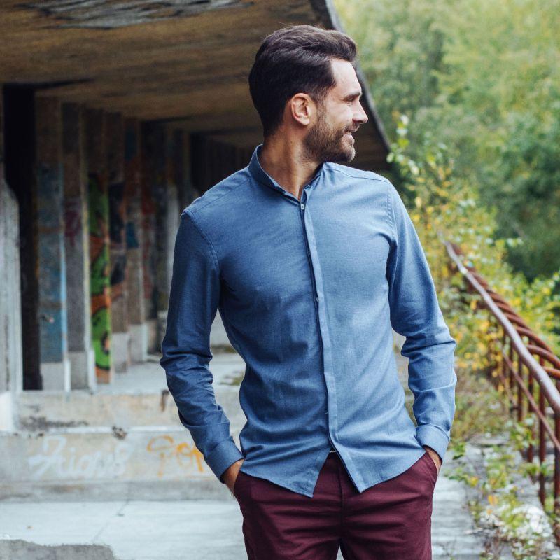 chemise bleu fonc e en flanelle col invers coupe slim. Black Bedroom Furniture Sets. Home Design Ideas