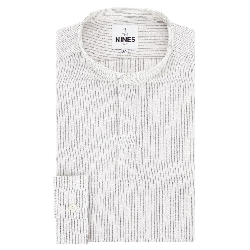 Chemise blanche à rayures foncées col tunisien coupe regular