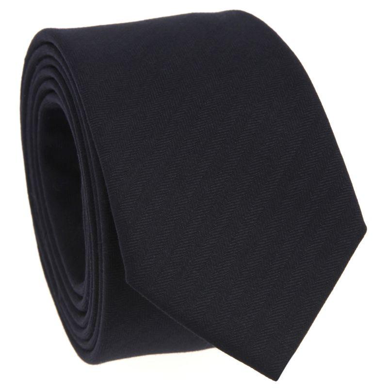 Cravate bleu marine à motifs chevrons en laine