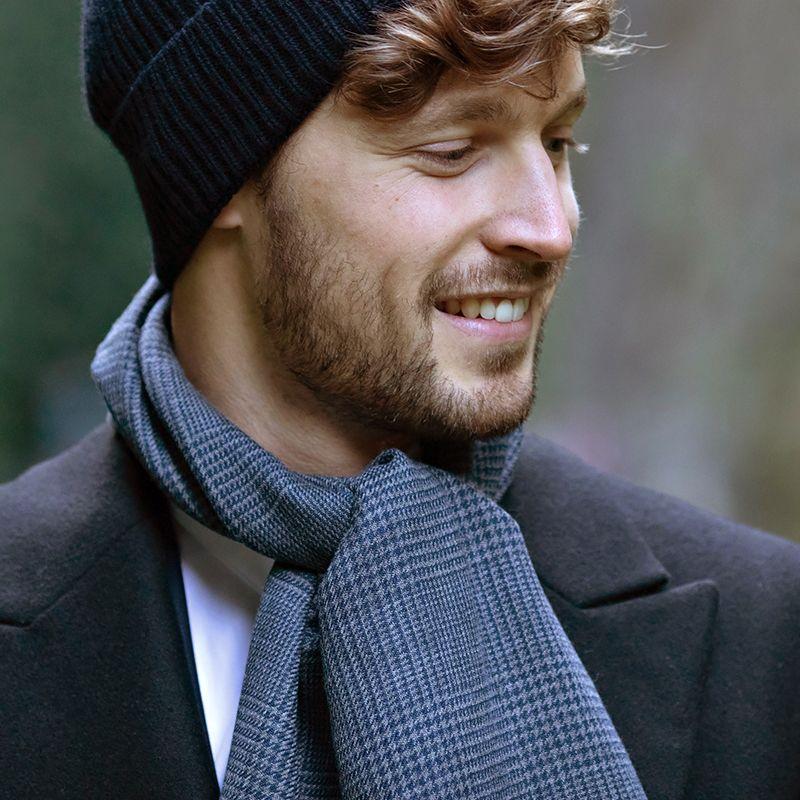 Écharpe bleue à motif prince-de-galles en laine fine de mérinos
