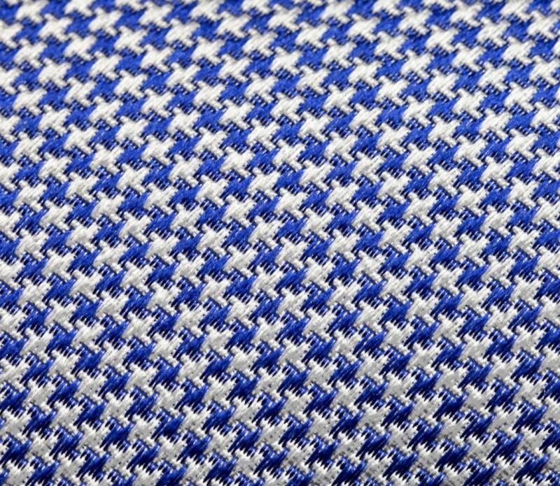 cravate hackett motifs pied de poule bleu la maison de. Black Bedroom Furniture Sets. Home Design Ideas