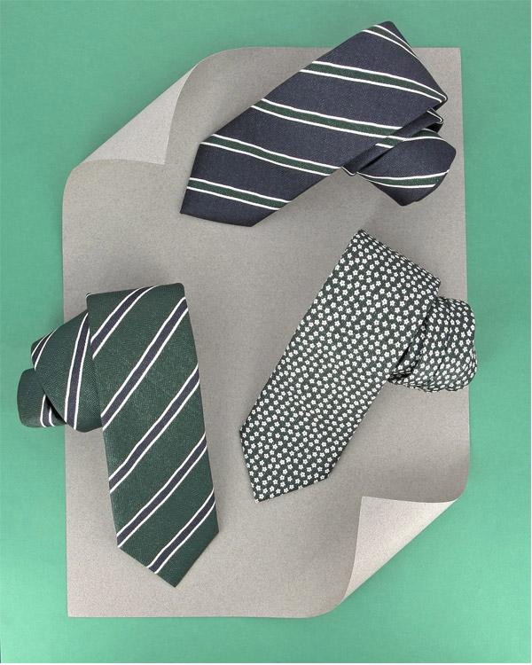 cravates soie imprimée vertes