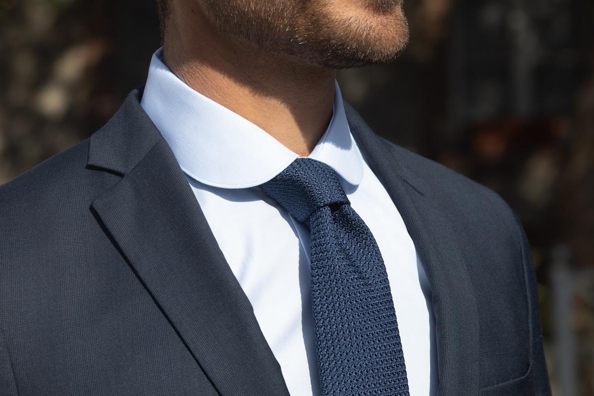 cravate jacquard de soie losanges bleus