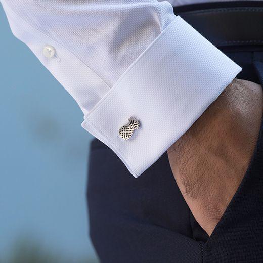 Boutons de manchette, chemise mousquetaire, passementerie par The Nines cd8ecfd2f2e