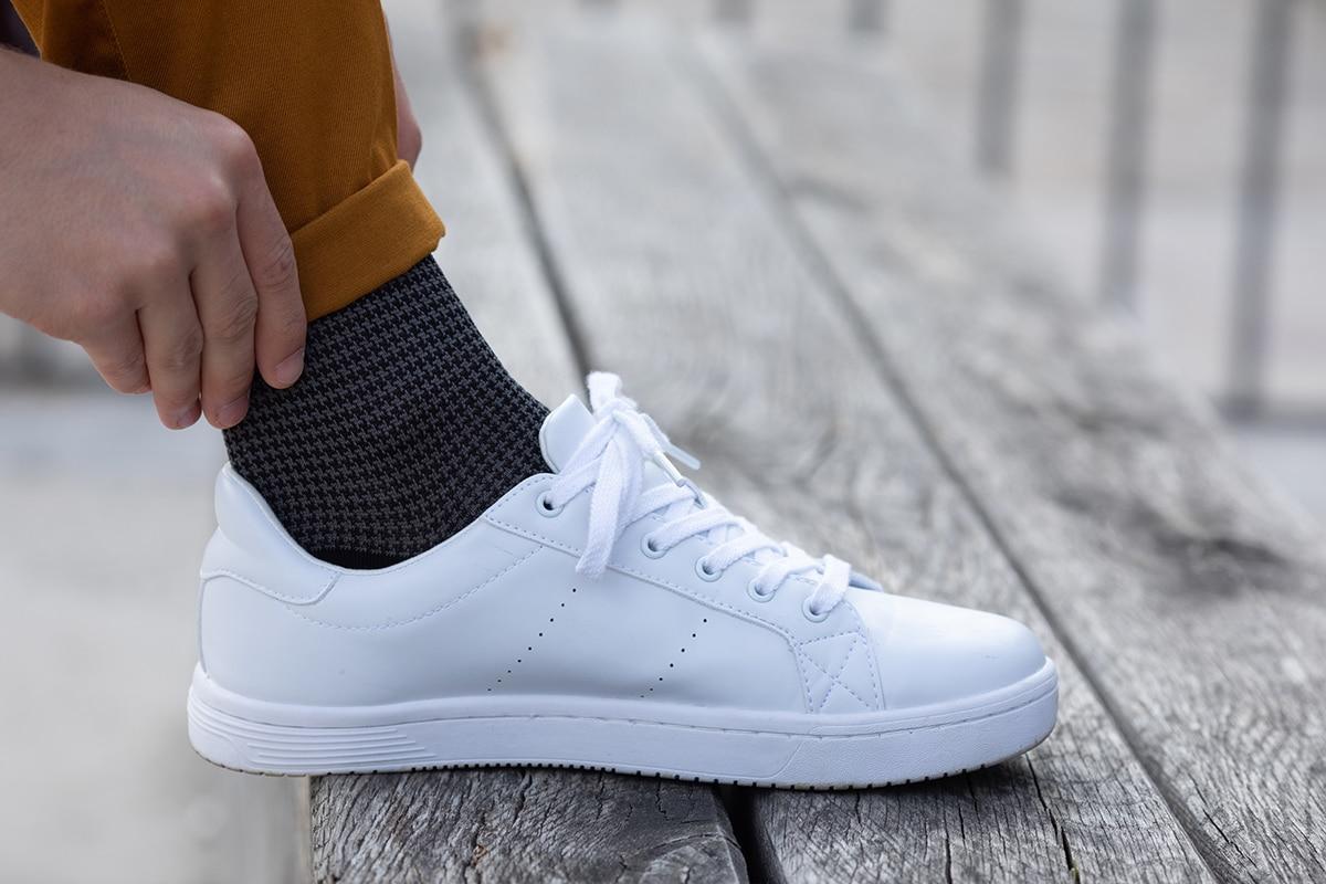 chaussette fil d'ecosse noire à motif pied de poule
